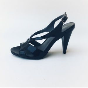 Kenneth Cole Reaction Know Something Heels NEW